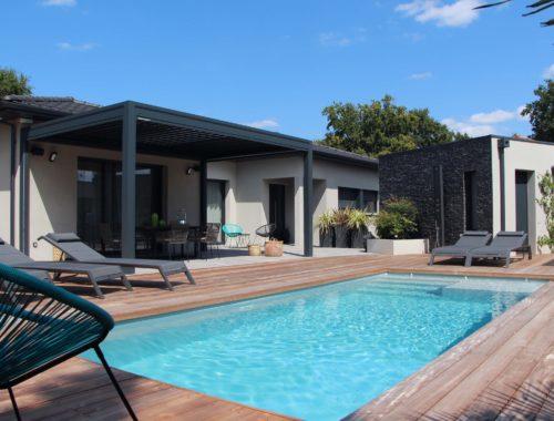 Maisons Bati Sud :Maison contemporaine de plus de 200m² à Saint-Médard-en-Jalles
