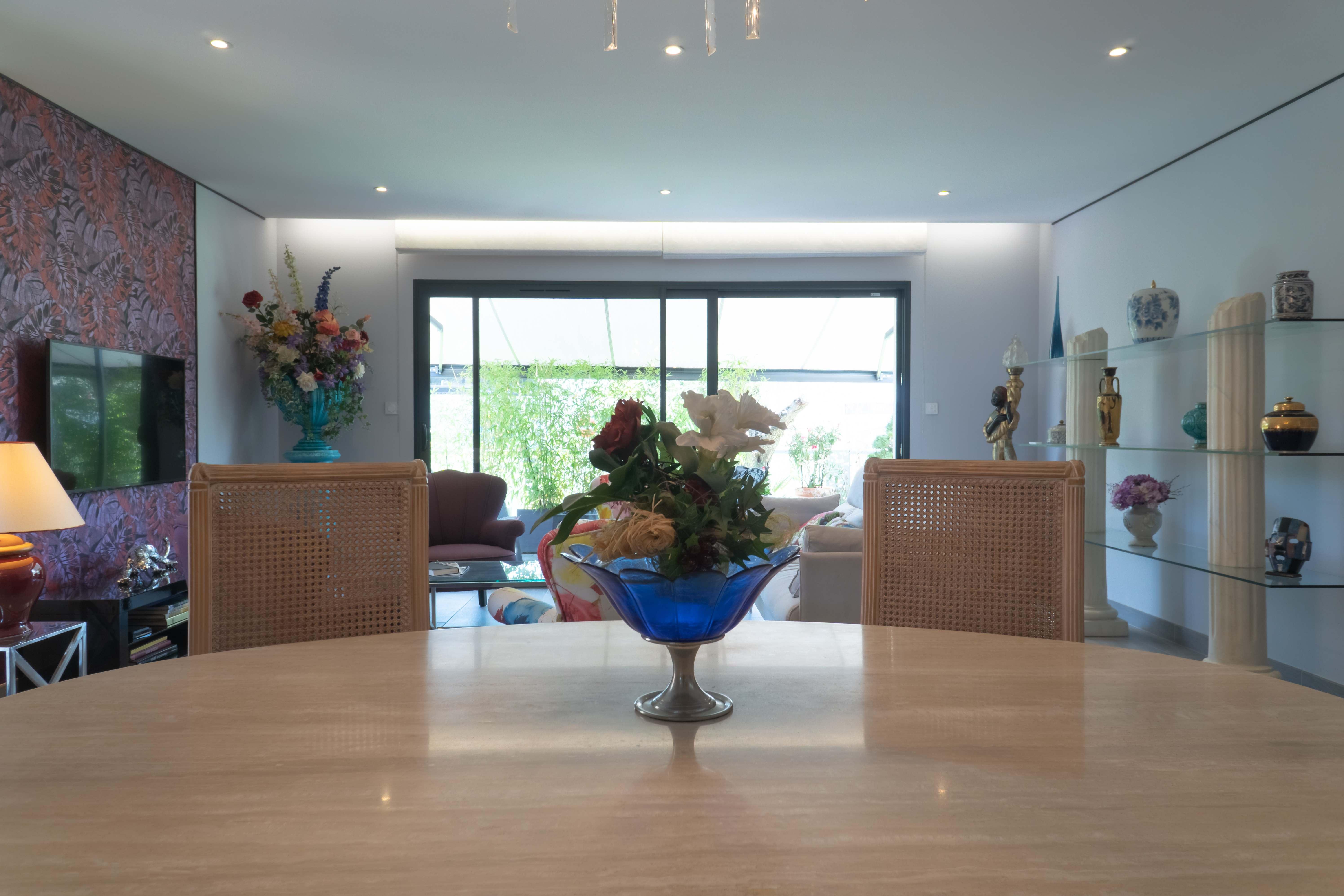 Maisons Bati Sud : Maison contemporaine, tuiles grises - 5